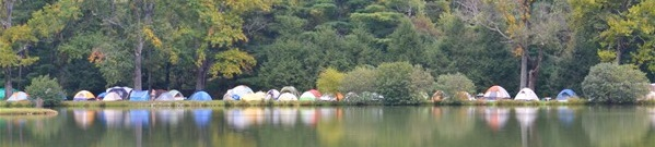 accom 2014 10 lakeside tents across lake hi res crop