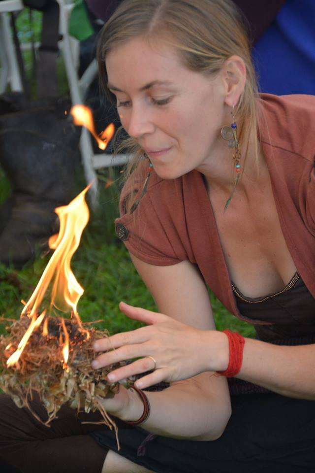 por 2015 10 lena starting fire